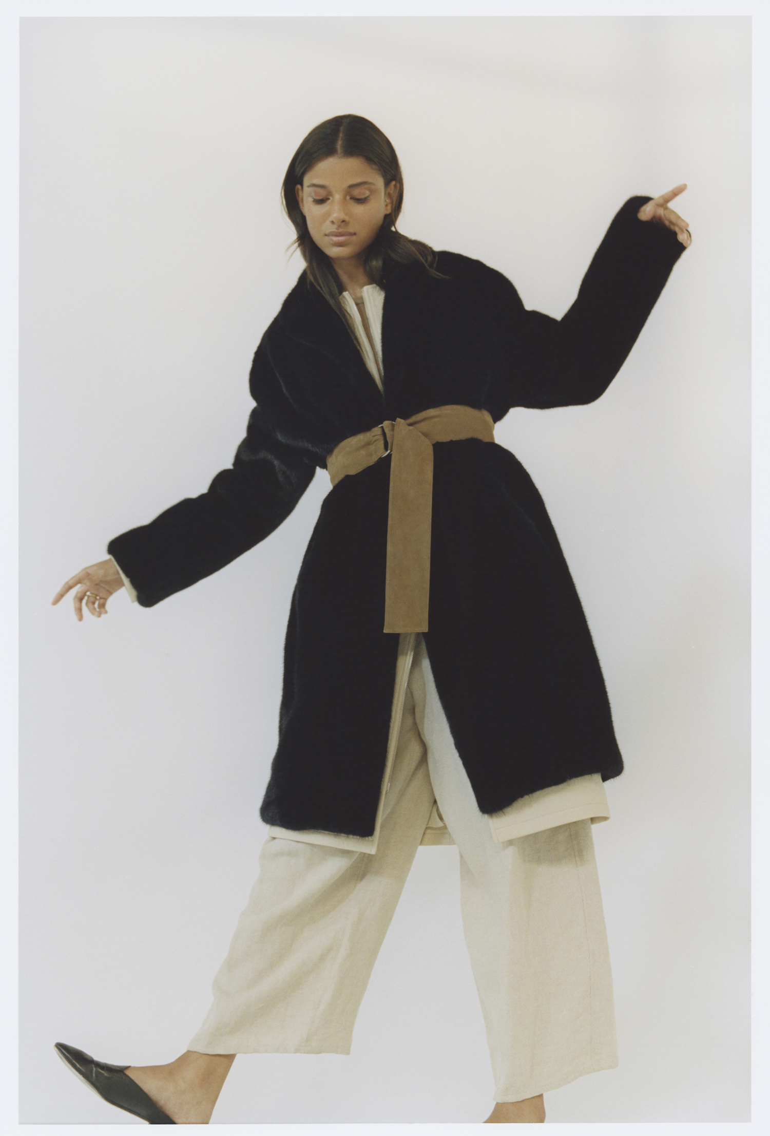 ALEE Manteau col rond en cuir grainé